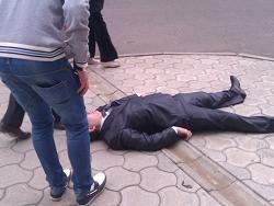 Подросток побил воронежского депутата