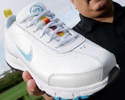 Белые американцы обвиняют Nike в расизме