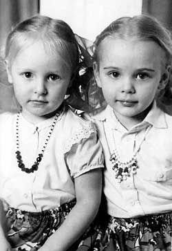Французский фотограф снял взрослых дочерей Владимира Путина (фото)