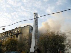 Студентов, погибавших в огне, милиционеры снимали на камеры мобильников