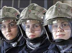 Австралийцы агитируют женщин становиться пожарными