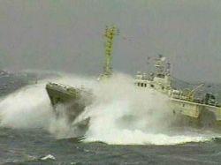 У берегов Китая терпит бедствие судно с российскими моряками