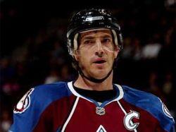 Хоккеист сборной Канады обошел Фила Эспозито в списке бомбардиров