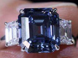 Голубой бриллиант установил рекорд цены для драгоценных камней