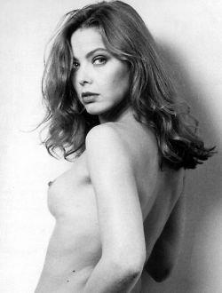 52-летняя звезда итальянского кино обнажилась в рекламе Dove (фото)