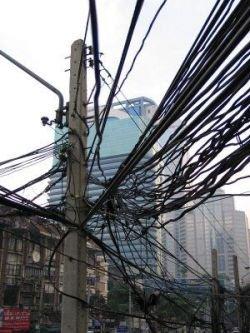 Джунгли из проводов в Бангкоке (фото)