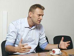 Навальный грубо обругал Сечина