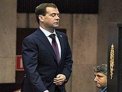 Медведев распродает Россию по дешевке