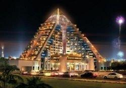 В Дубаях открывается бутик-отель в виде пирамиды