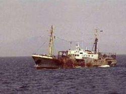 Около Курил затонула браконьерская шхуна с российским экипажем