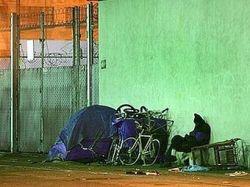 Жителям Лос-Анджелеса разрешили спать на улицах