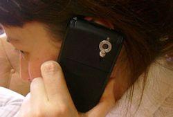 Частые звонки по мобильным телефонам могут привести к потере слуха