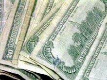Эксперты не советуют пока начинать скупать доллары