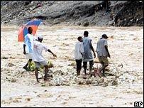 Наводнения на Гаити: погибли более 20 человек