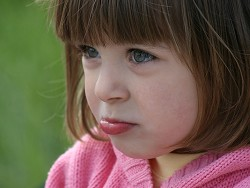 Детей заставляют плакать из-за денег
