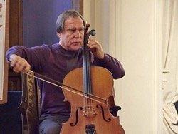 Путин рассказал о залезшем в долги из-за виолончелей Ролдугине