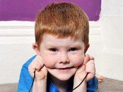 Из-за странной болезни ребенок ест электроприборы