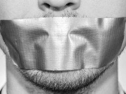 Может ли нормально развиваться общество, которому затыкают рот?