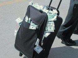 СМИ: Россияне стали активнее выводить деньги за рубеж