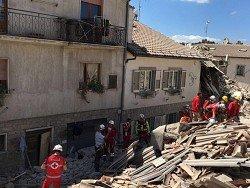 Число жертв землетрясения в Италии возросло до 160 человек