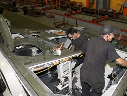 С завода зятя Михалкова с нарушениями увольняют рабочих. Трудовая инспекция бессильна