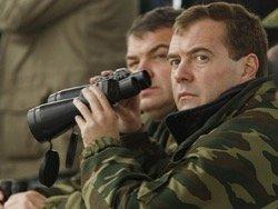 Петицию за отставку премьера Медведева подписали более 245 тысяч человек