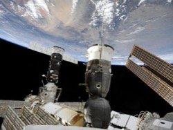 В Роскосмосе назвали дату возвращения экипажа МКС на Землю