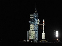 Китай запустил на орбиту Земли обитаемую станцию
