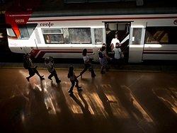 Машинист остановил поезд на полпути в Мадрид из-за окончания рабочего дня