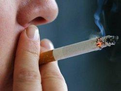 Курение сокращает продолжительность жизни смертельно больных почти на 2 года