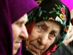 Голодомор-2016: киевские пенсионеры в очередях за бесплатным супом