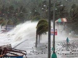 На Филиппины надвигается мощный тайфун