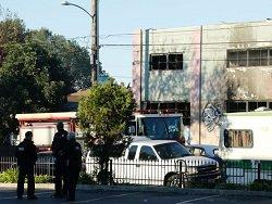 В сгоревшем клубе в американском Окленде найдено уже 30 тел погибших