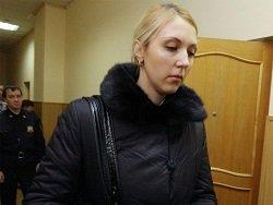 """Сотрудница """"Единой России"""", сбившая двух девушек на тротуаре отделалась скромным штрафом"""