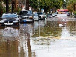 В Калифорнии бушует мощнейший за последнее десятилетие шторм