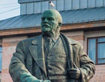 После новостей из Крыма в Выборге замироточил Ленин