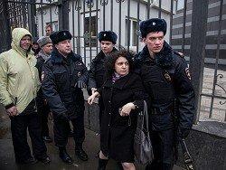 В Москве работники сразу четырех фирм пришли к зданию прокуратуры, из-за невыплат зарплат