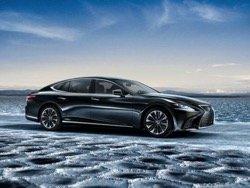 С новым гибридным седаном Lexus нацеливается на Mercedes и Tesla