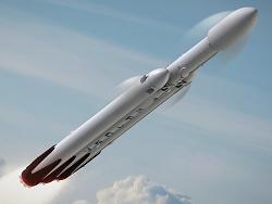 Пуск Falcon Heavy состоится не раньше конца года