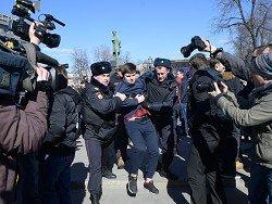 """""""Репортеры без границ"""" потребовали наказать полицейских за задержания журналистов"""