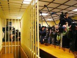 Путин подписал закон, запрещающий СМИ вести трансляцию из зала суда без разрешения