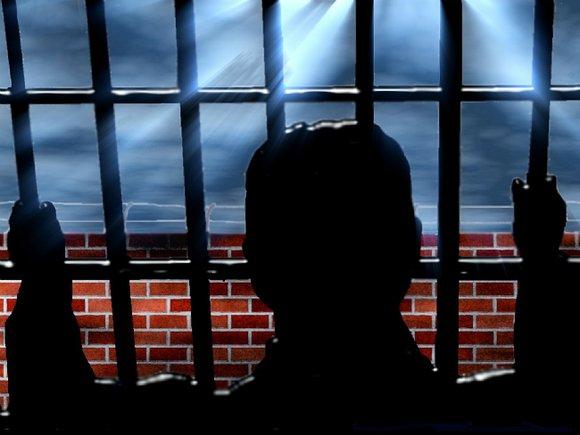 Уральского полицейского осудили на 13 лет за ритуальные убийства
