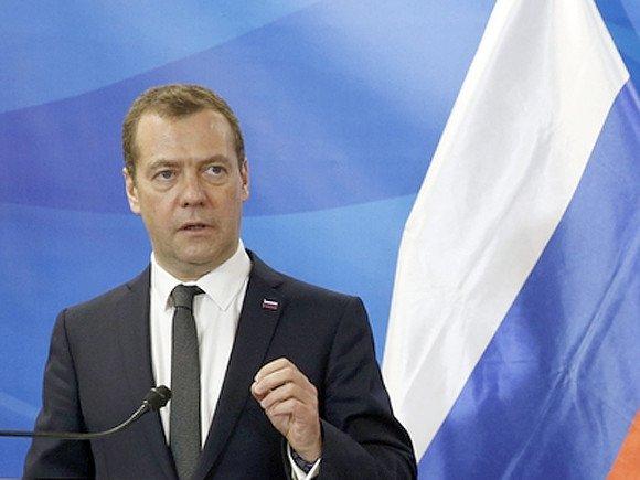 Медведев утвердил список стран, граждане которых смогут посещать Дальний Восток без виз