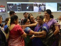 """Индийские женщины отправили ракету на Марс за сумму меньшую стоимости фильма """"Марсианин"""""""