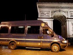Напавший на полицейских в Париже был судим за аналогичное преступление