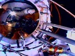 Названа дата экстренного выхода экипажа МКС в открытый космос