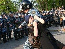 Не допустить принятия закона о презумпции законности любых действий сотрудников полиции