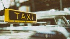 Чилийского журналиста прокатили на такси по Москве за 50 тысяч рублей