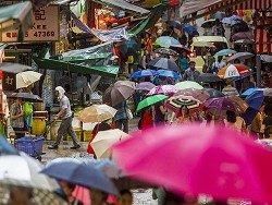 """На Гонконг обрушился тропический шторм """"Роке"""""""
