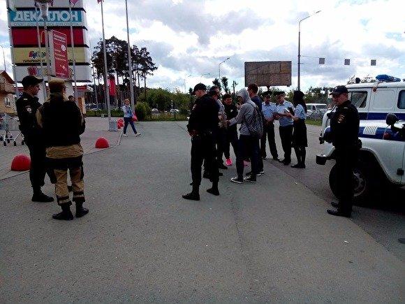 """В российских городах проходят задержания участников """"Большого субботника"""" Навального"""